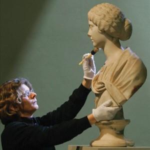woman-brush